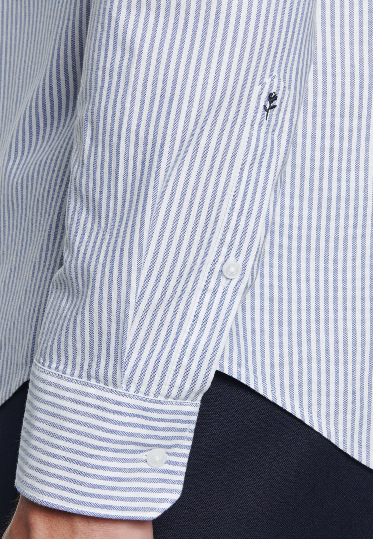 Bügelleichtes Oxford Business Hemd in Slim mit Button-Down-Kragen in Hellblau |  Seidensticker Onlineshop