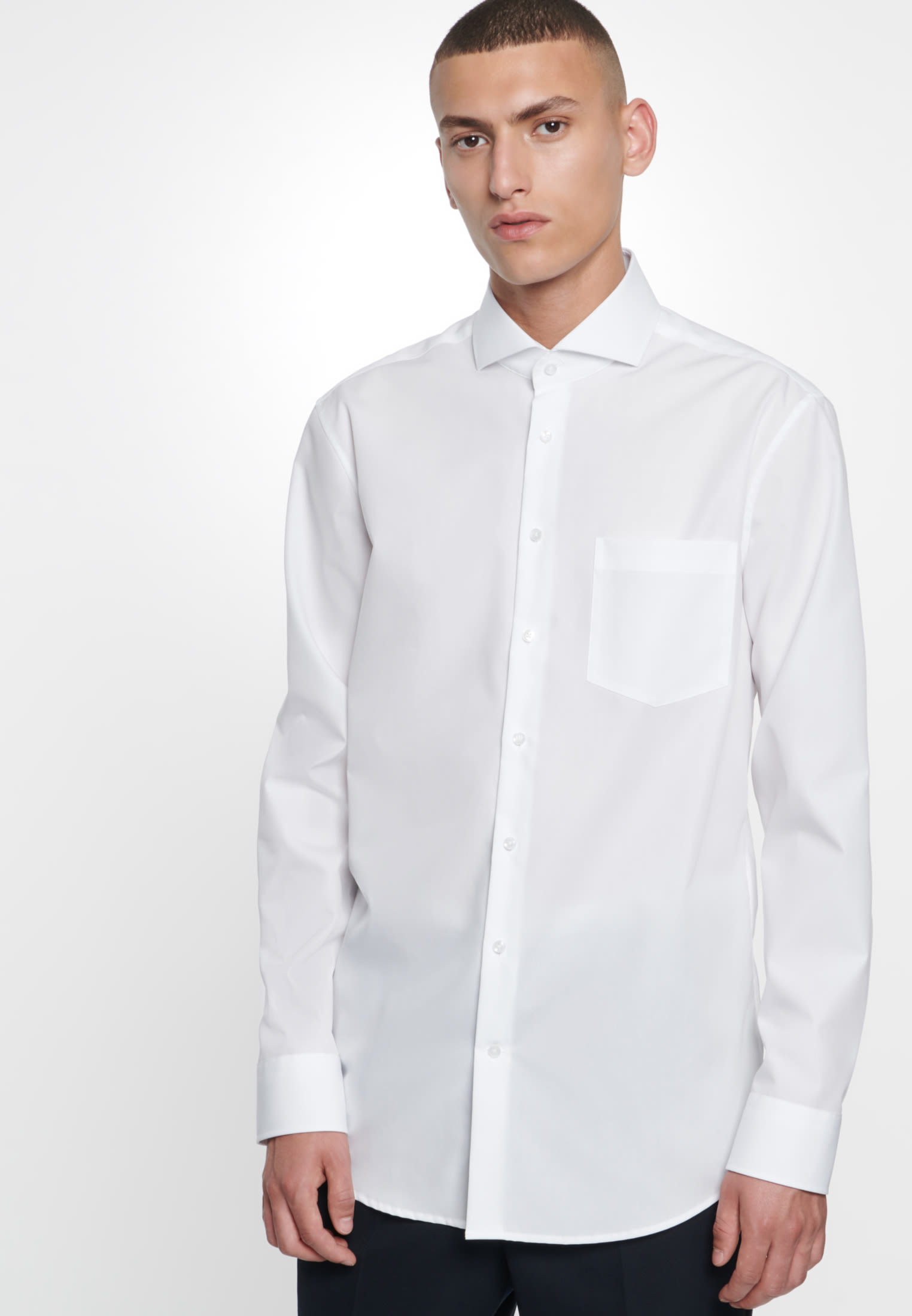 Non-iron Poplin Business Shirt in Modern with Shark Collar in White |  Seidensticker Onlineshop