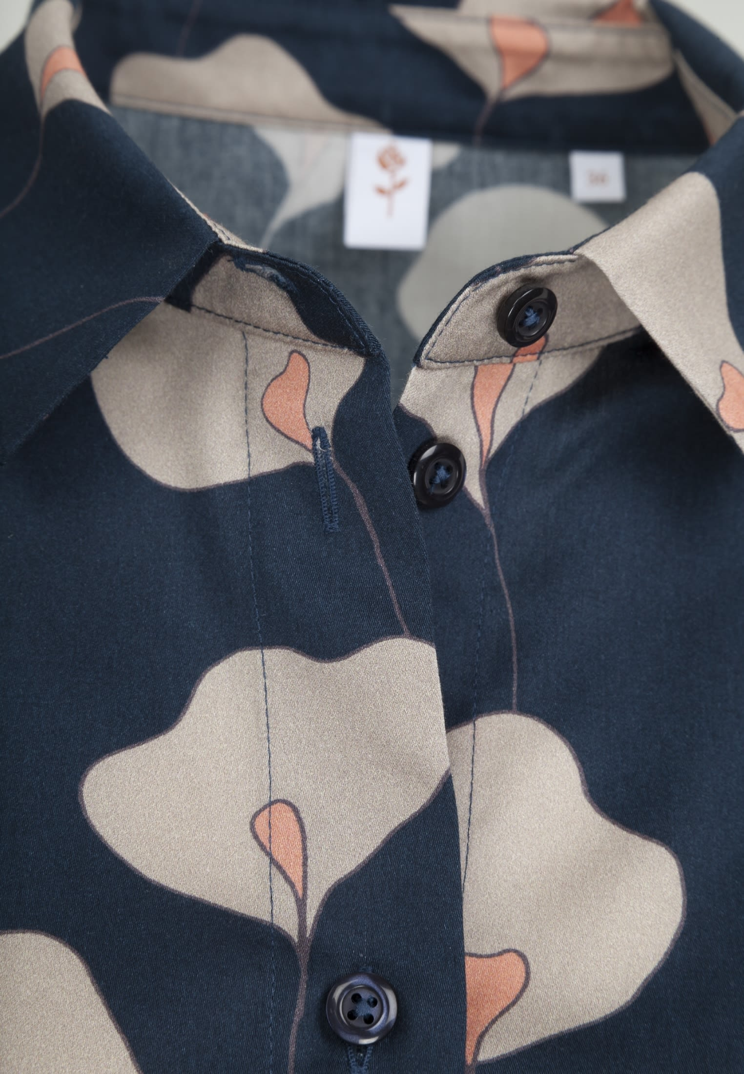 Satin Hemdbluse aus 100% Baumwolle in Dunkelblau |  Seidensticker Onlineshop