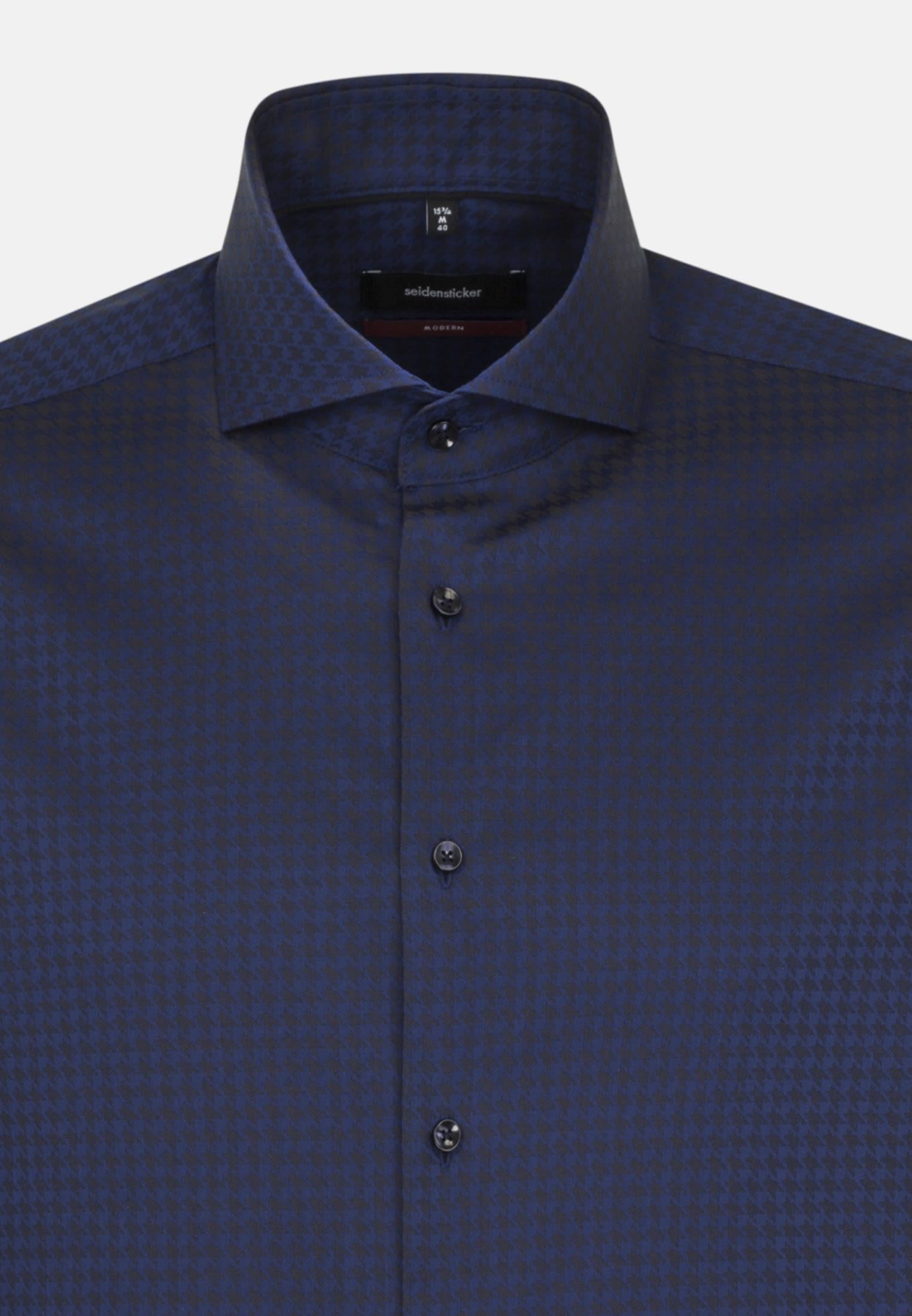 Bügelleichtes Hahnentritt Business Hemd in Regular mit Haifischkragen in Mittelblau |  Seidensticker Onlineshop