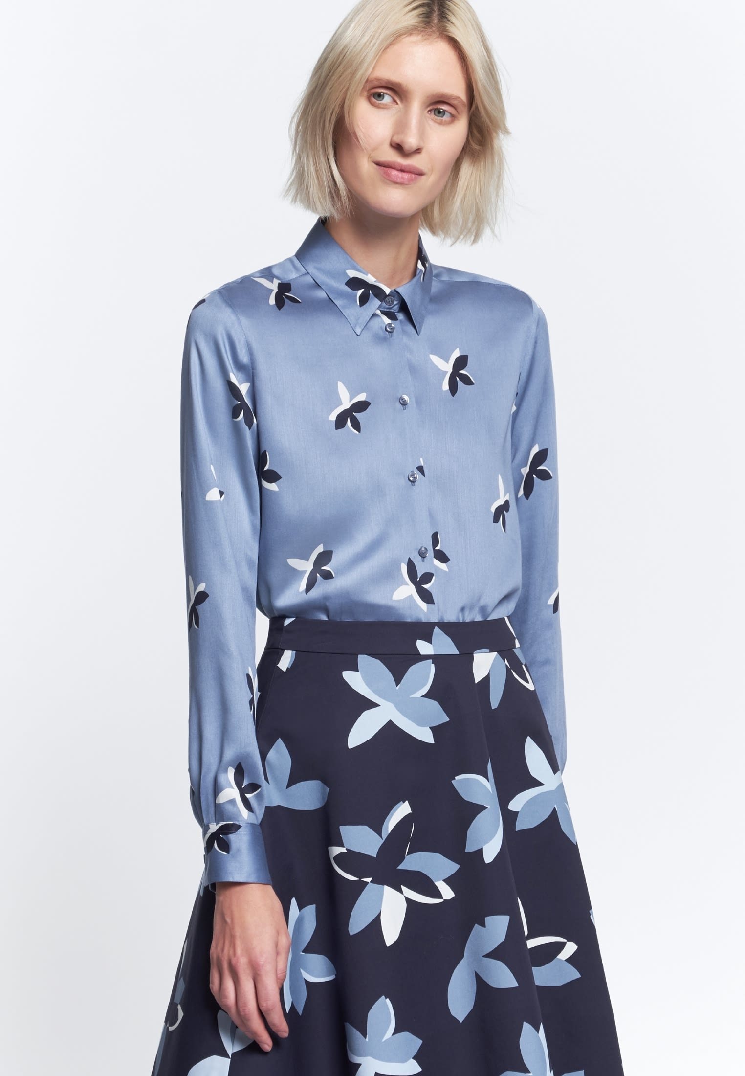 Voile Shirt Blouse made of 100% Viskose in blau |  Seidensticker Onlineshop