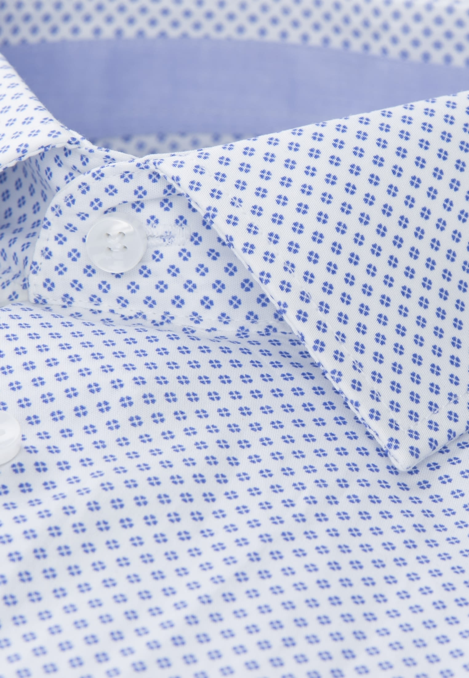 Easy-iron Poplin Business Shirt in Slim with Kent-Collar and extra long arm in Light blue |  Seidensticker Onlineshop