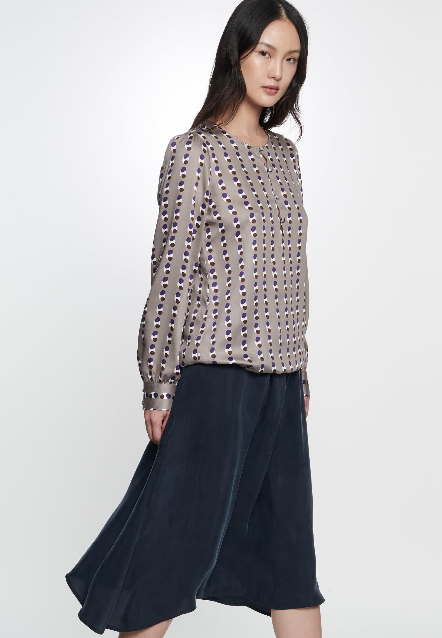 Satin Shirtbluse aus 100% Viskose in Braun |  Seidensticker Onlineshop