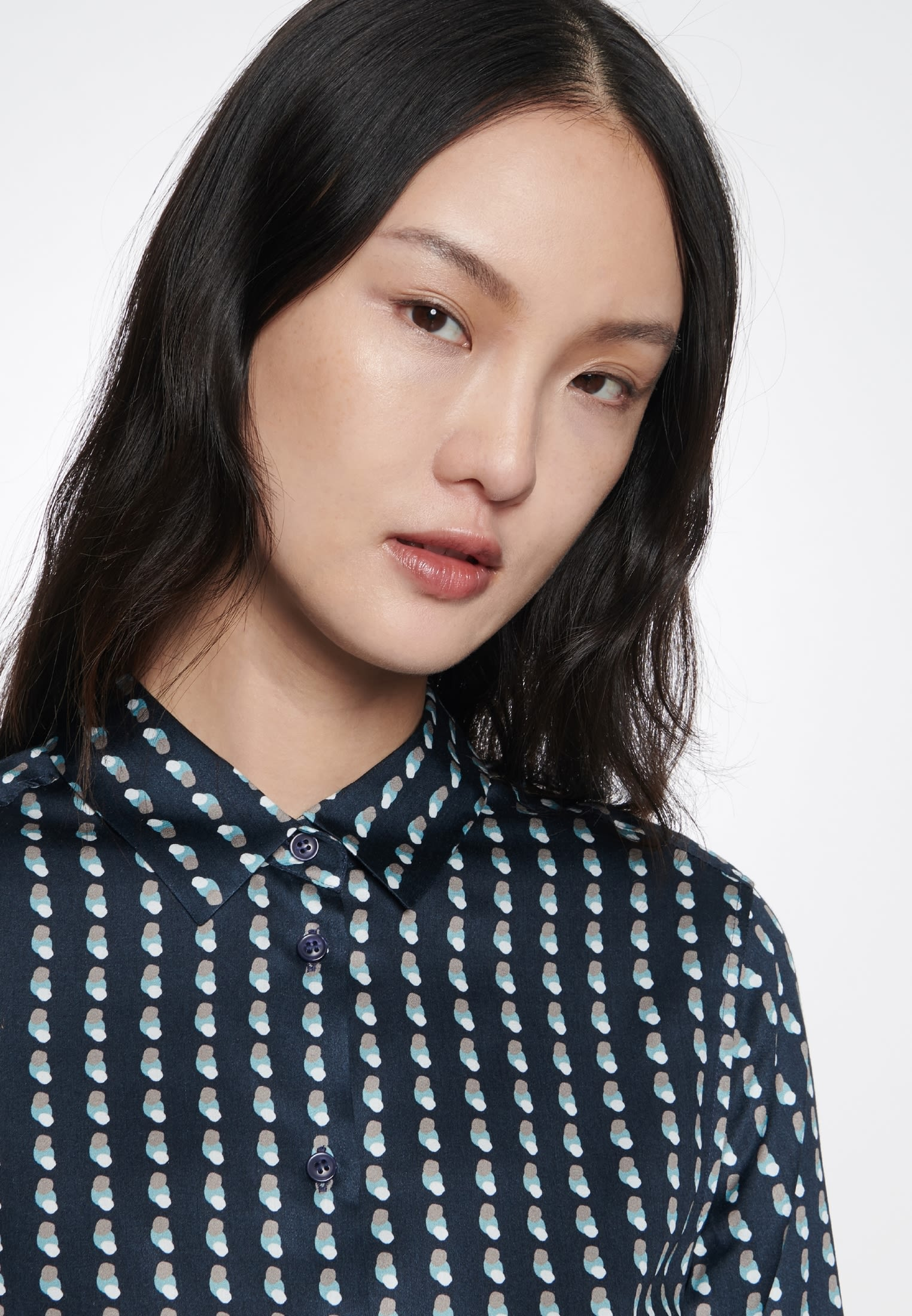 Satin Shirt Blouse made of 100% Viscose in Dark blue |  Seidensticker Onlineshop