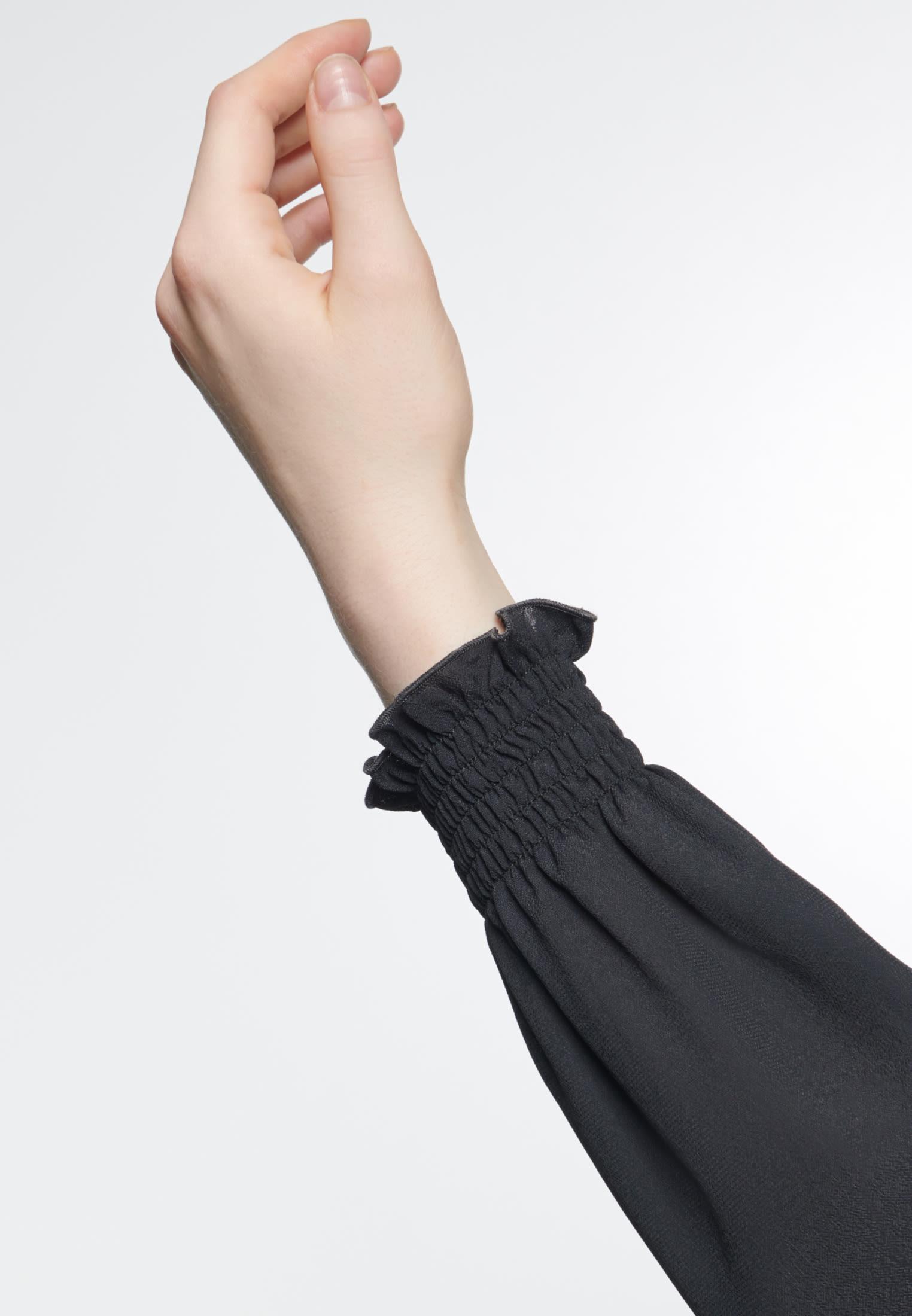 Krepp Stehkragenbluse aus 100% Viskose in Schwarz |  Seidensticker Onlineshop