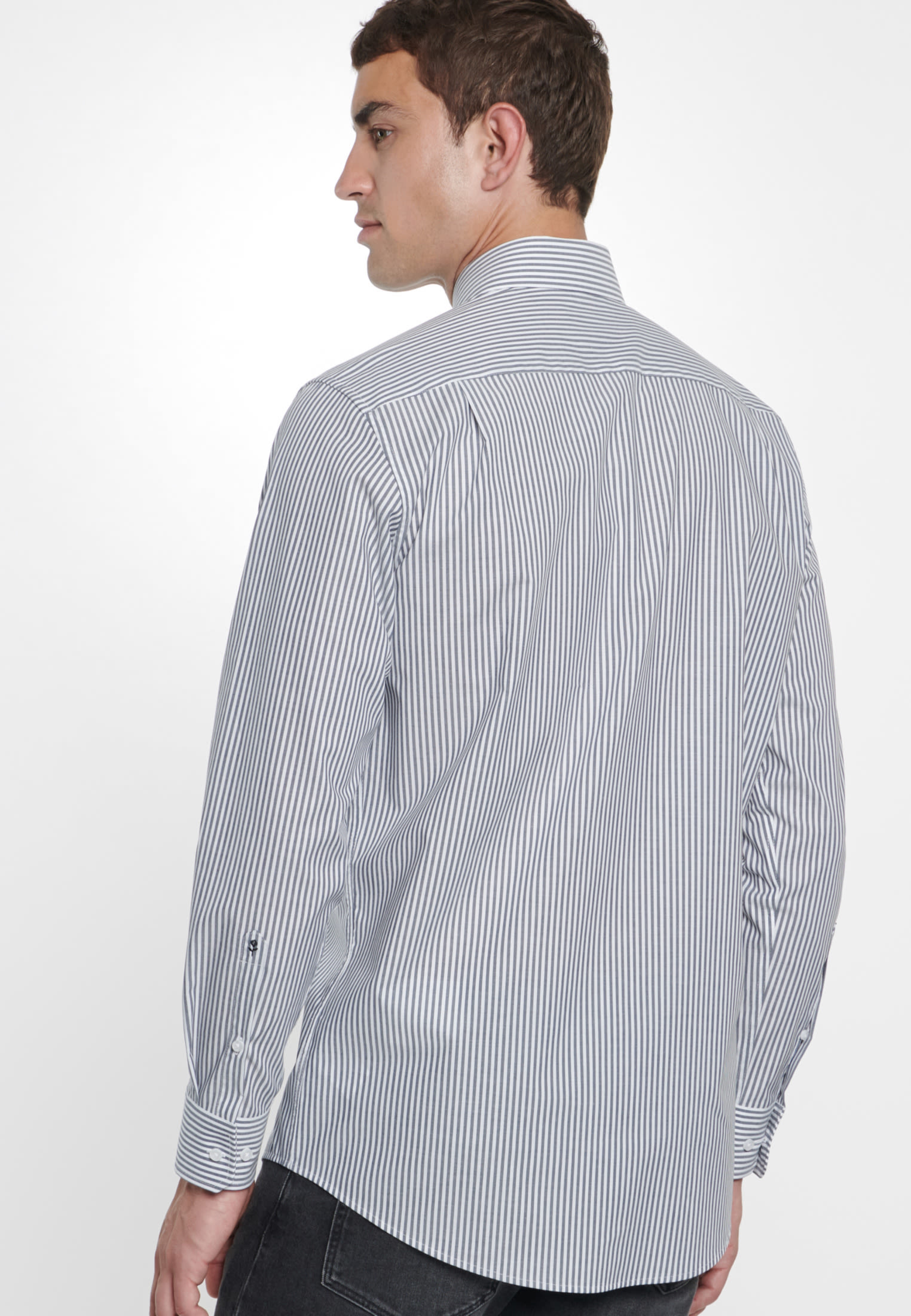 Bügelfreies Popeline Business Hemd in Modern mit Kentkragen in Dunkelblau    Seidensticker Onlineshop