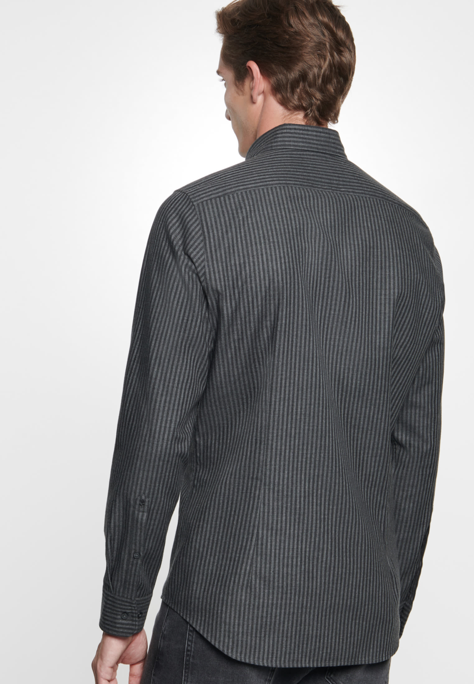 Easy-iron Twill Business Shirt in Slim with Button-Down-Collar in anthra |  Seidensticker Onlineshop