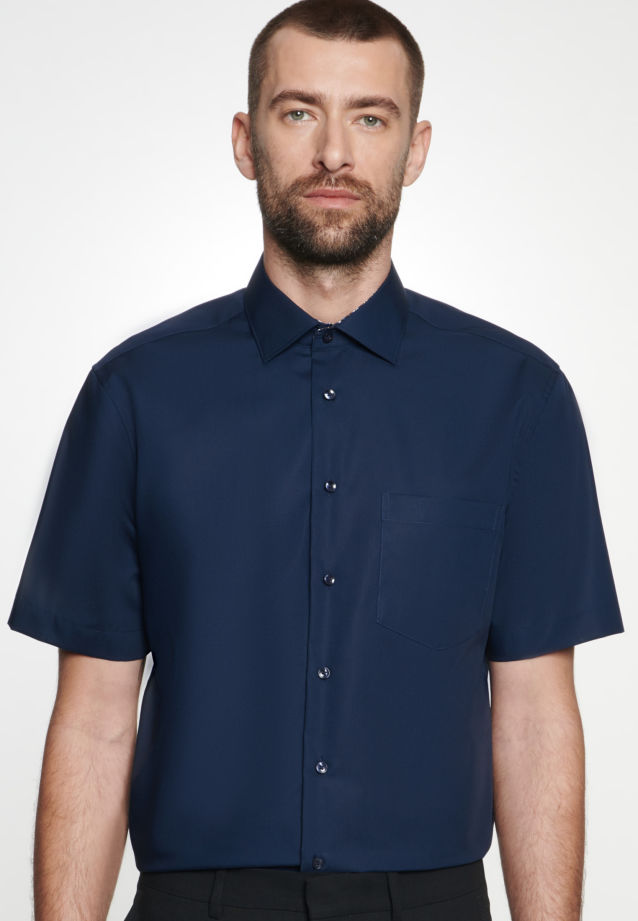 Non-iron Poplin Short arm Business Shirt in Regular with Kent-Collar in Dark blue |  Seidensticker Onlineshop