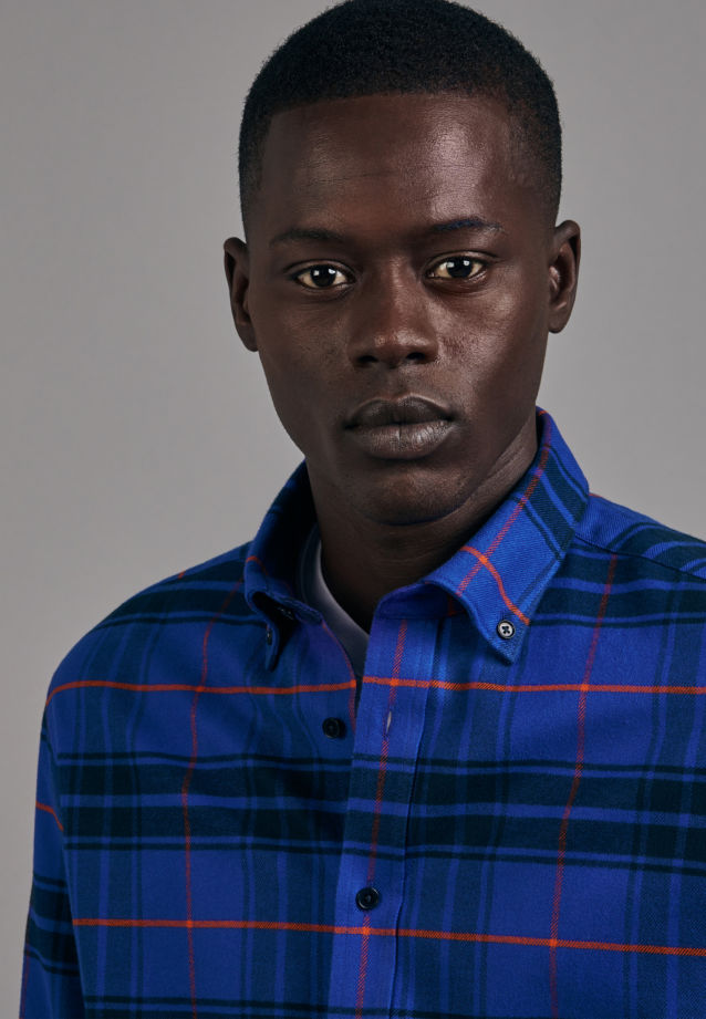 Flannel Business Shirt in Shaped with Button-Down-Collar in Medium blue    Seidensticker Onlineshop