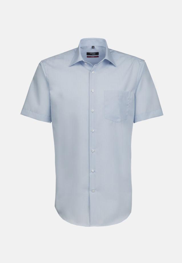 Bügelfreies Fil a fil Kurzarm Business Hemd in Modern mit Kentkragen in Hellblau |  Seidensticker Onlineshop
