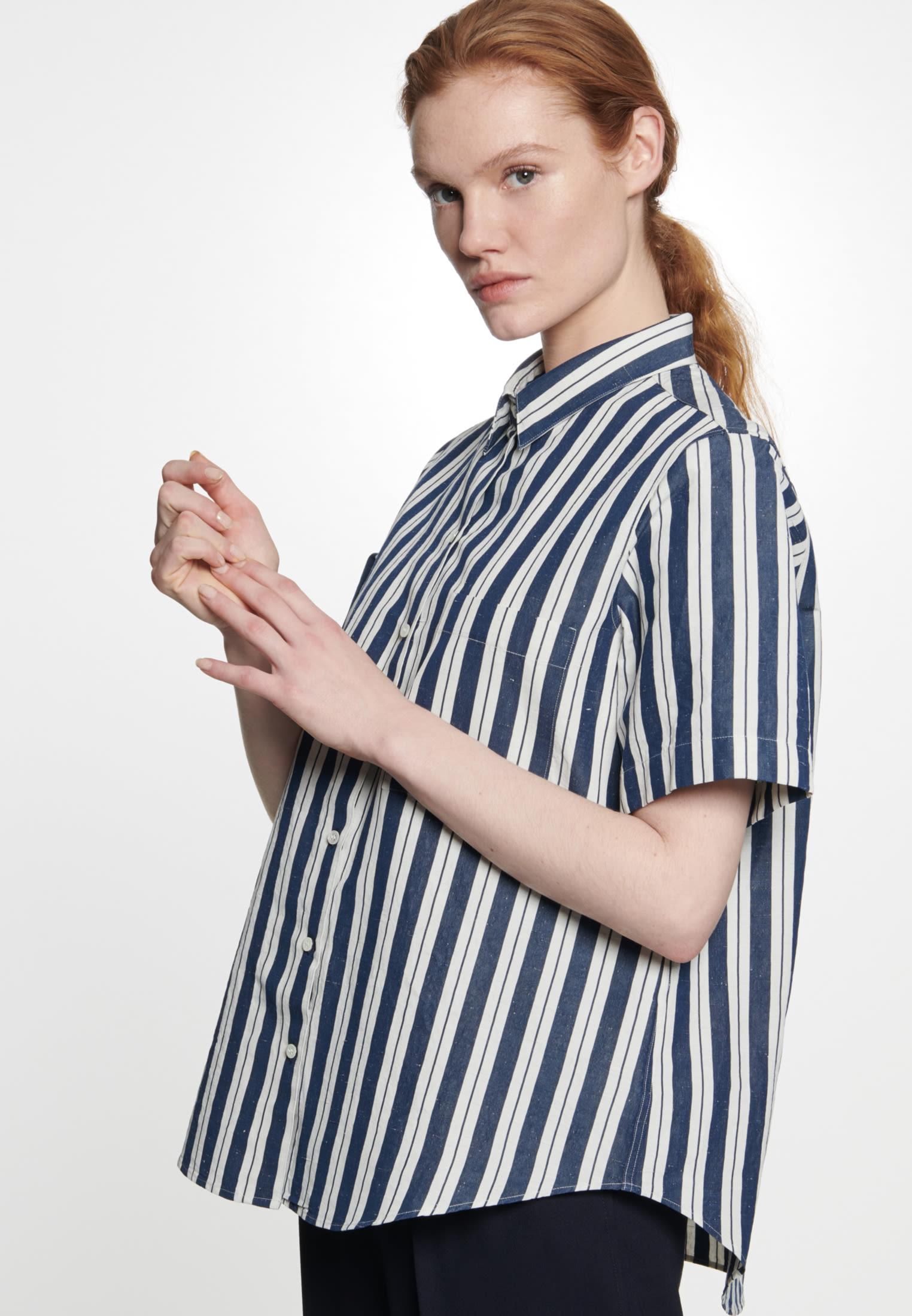 Kurzarm Hemdbluse aus Seiden-Leinenmischung in Dunkelblau |  Seidensticker Onlineshop