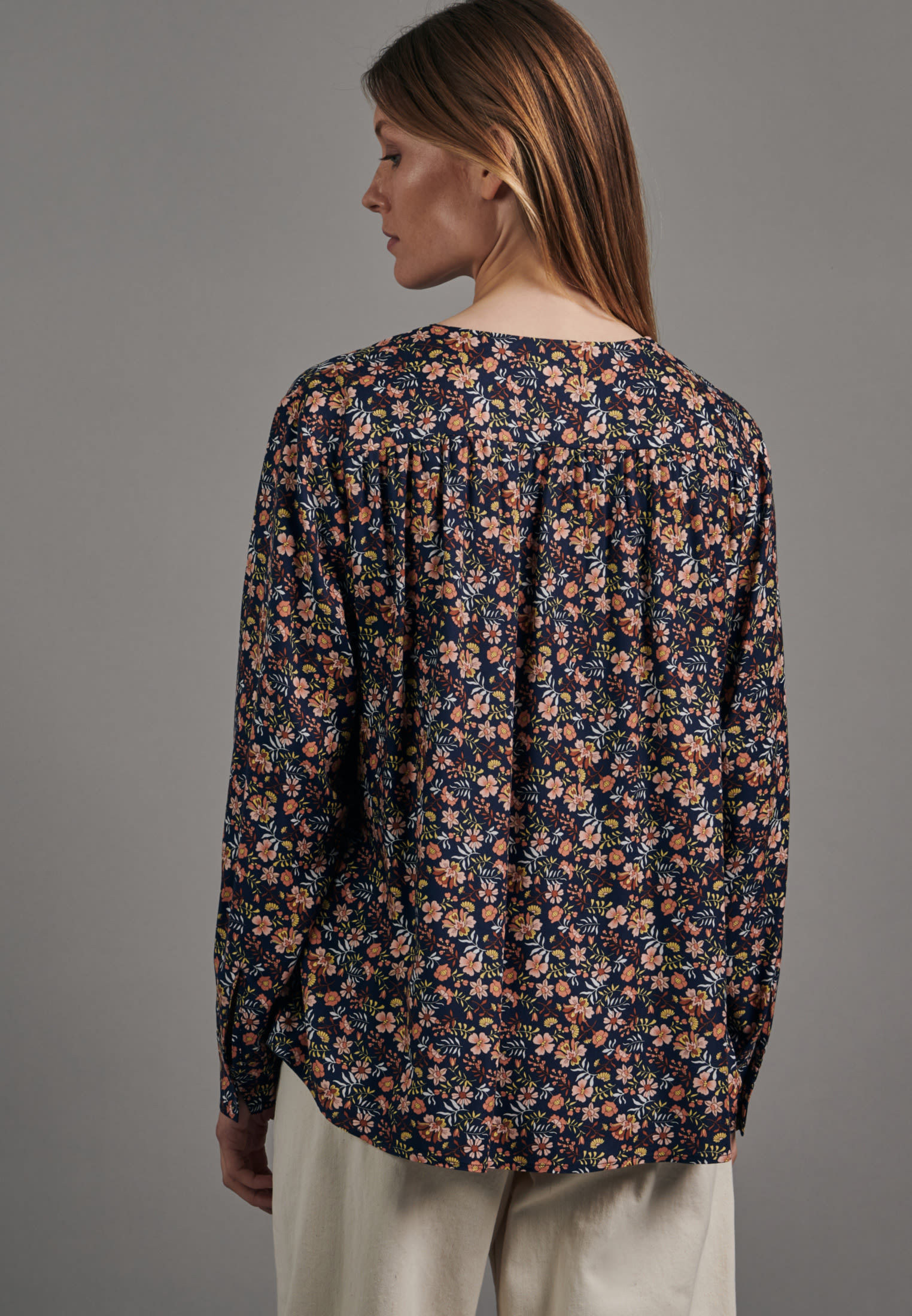 Twill Shirtbluse aus 100% Viskose in Dunkelblau |  Seidensticker Onlineshop