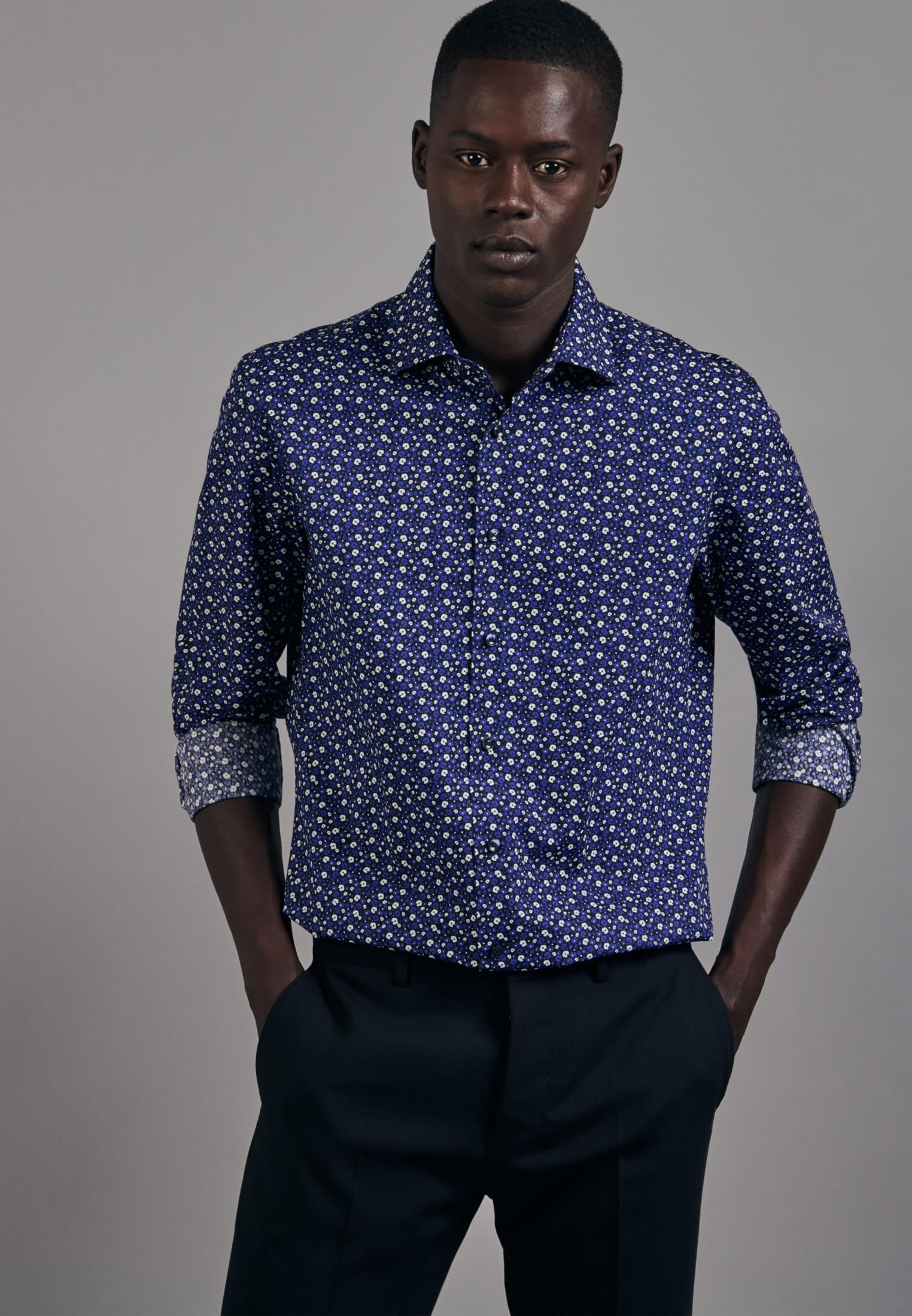 Easy-iron Poplin Business Shirt in Shaped with Kent-Collar in Medium blue |  Seidensticker Onlineshop