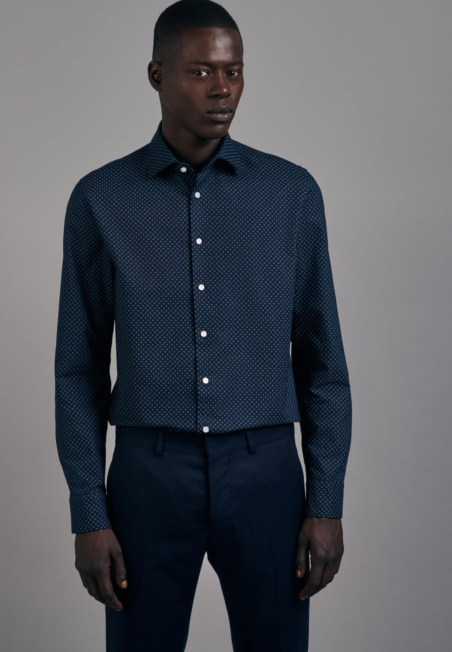 Easy-iron Oxford Business Shirt in Shaped with Kent-Collar in Dark blue |  Seidensticker Onlineshop