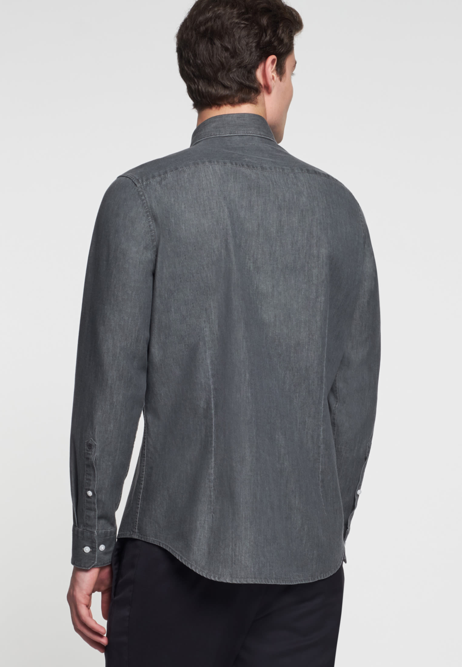 Bügelleichtes Denim Business Hemd in Slim mit Kentkragen in Grau |  Seidensticker Onlineshop