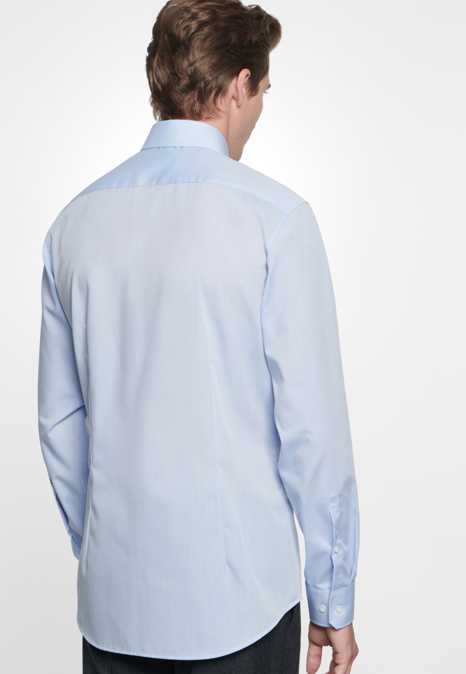 Non-iron Chambray Business Shirt in Tailored with Kent-Collar in Medium blue |  Seidensticker Onlineshop