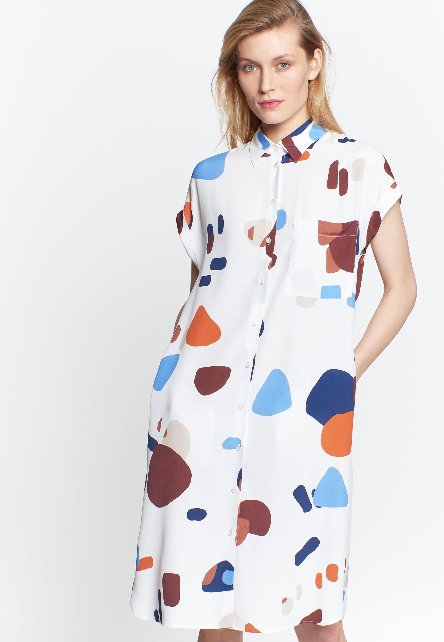 Sleeveless Crepe Midi Dress made of 100% Viscose in Medium blue |  Seidensticker Onlineshop