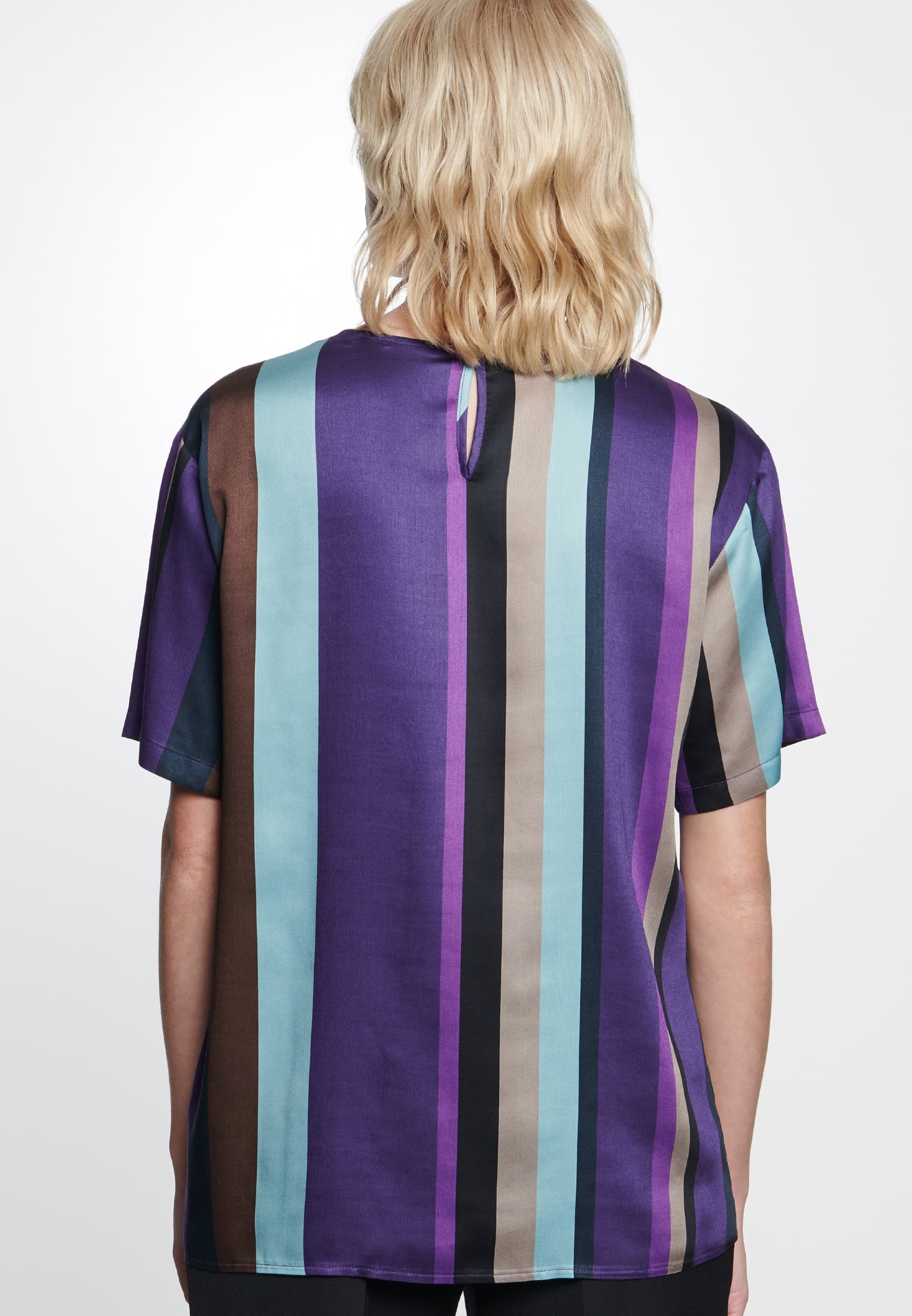 Kurzarm Satin Shirtbluse aus 100% Viskose in Lila    Seidensticker Onlineshop
