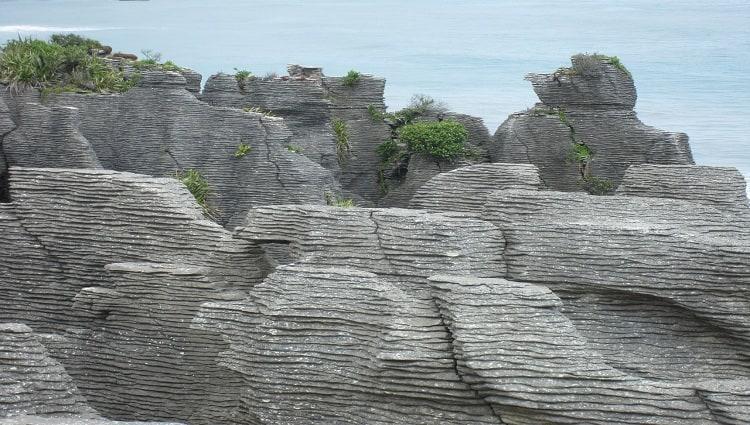 Pantai Batu Lapis Lampung