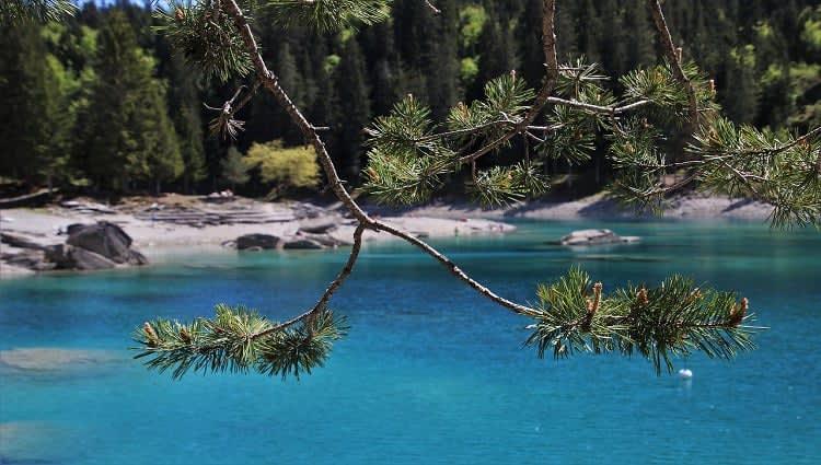 Danau Biru Batu Padas Lampung Tengah