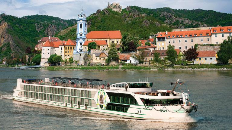L'Europe centrale, à bord du MS Joy