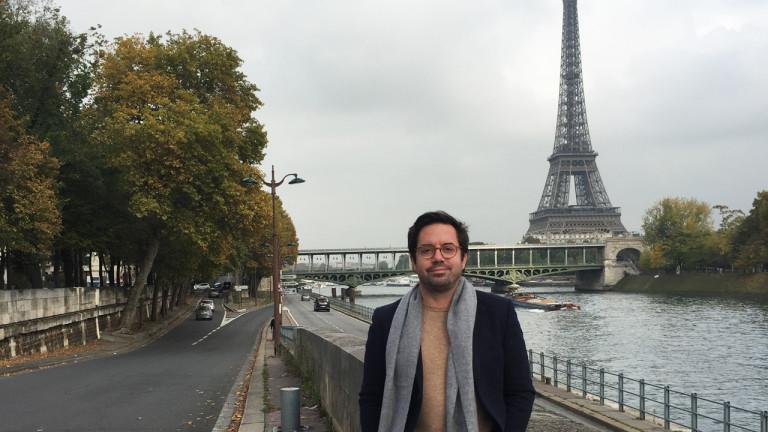 Le 16e arrondissement est le plus grand et le plus chic de Paris. L'animateur Benoit Roberge y visite les jardins du Trocadéro et une piscine au style Art Déco, puis il pousse ensuite les portes d'un musée original.  Retrouvez les bonnes adresses visitées par Benoit Roberge dans le 16e épisode de l'émission Un Québécois à Paris.