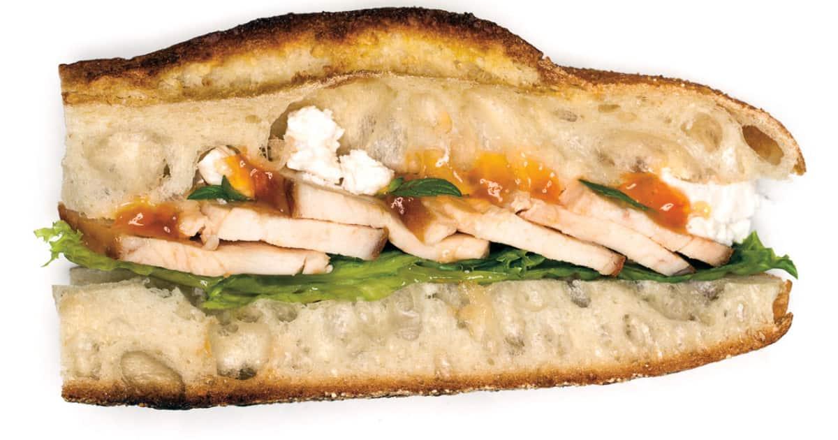 Recette de sandwich au poulet grill abricots et feta foodlavie - Comment faire du poulet grille ...