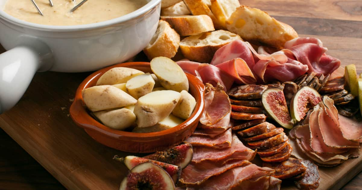 recette de fondue au fromage l 39 alexander foodlavie. Black Bedroom Furniture Sets. Home Design Ideas