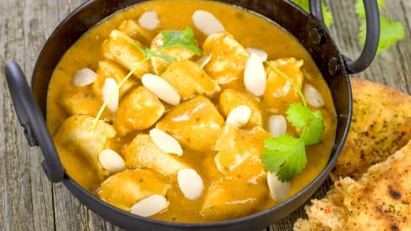 curry de poulet à la noix de coco et aux amandes