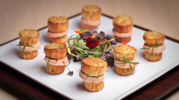 canelé à la prune jaune et au foie gras