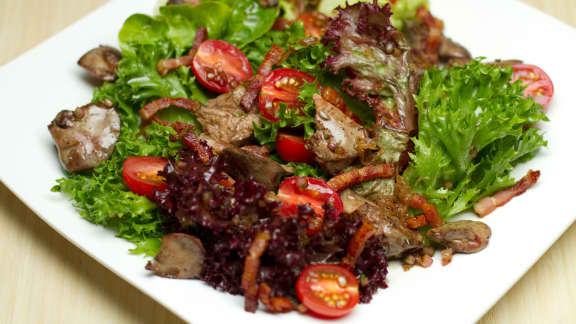 salade de foies de volailles et de lardons