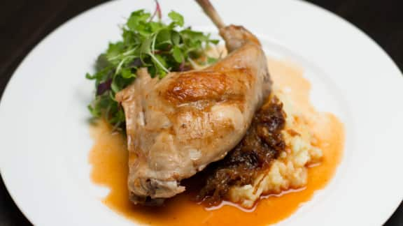 cuisse de lapin braisé à la lavande et au romarin