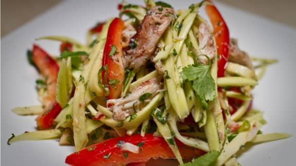 salade asiatique à la mangue et au crabe