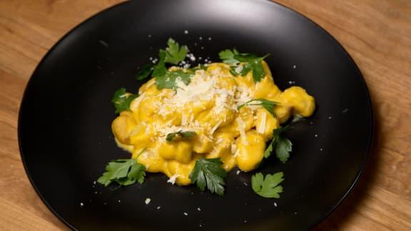 Jeudi : Gnocchis rôtis à la crème de courge butternut et persil