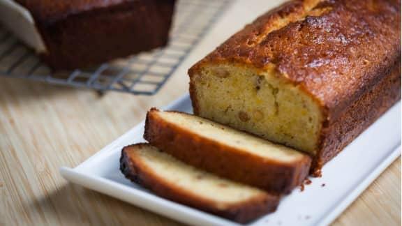 Gâteau quatre quarts aux carottes et aux noix de pin