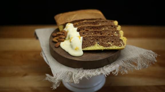 Gâteau marbré, ganache au chocolat blanc