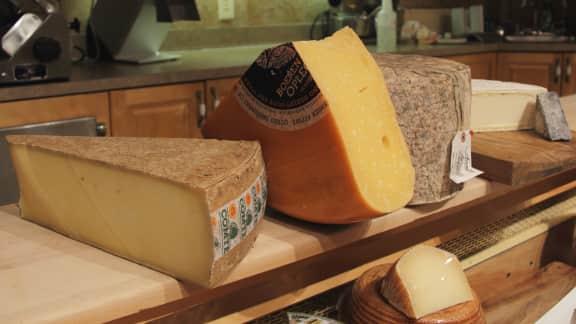 Avis d'expert : Faut-il manger la croûte des fromages?