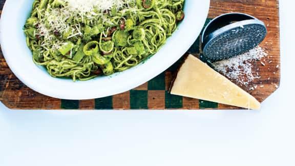 Linguines au pesto de cresson, au pecorino et aux amandes