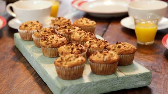Muffins aux poires et au granola croquant