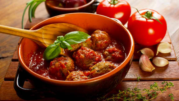 Boulettes et sauce tomate