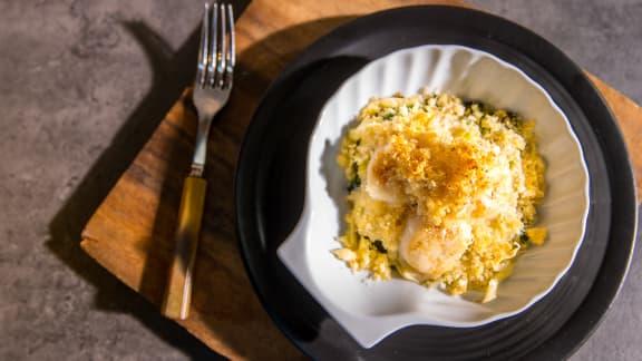 Coquille Saint-Jacques et crumble croustillant de pommes de terre