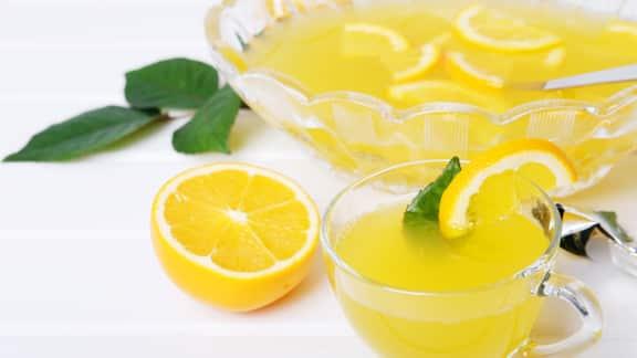 Punch d'été citron et jasmin