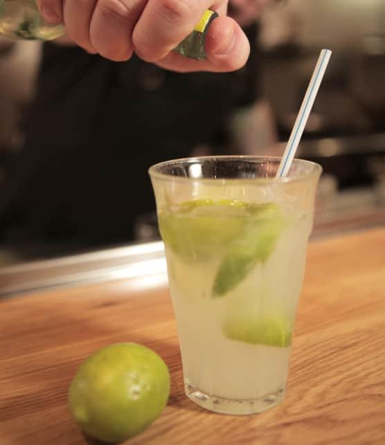 Découvrez le cocktail caïpirinha avec le chef Richard Rego