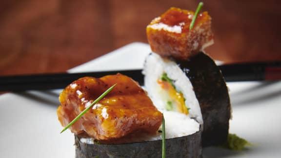 Maki de légumes, tofu et poulet général tao