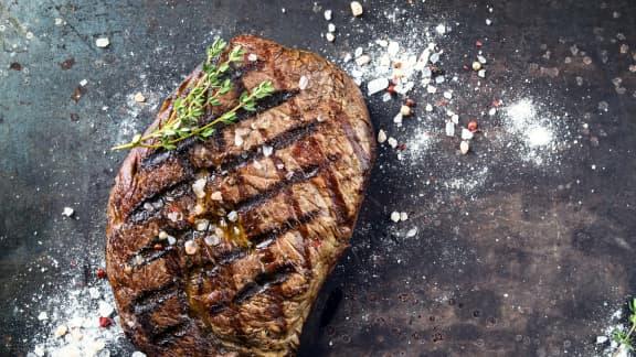 Comment cuire un steak sur BBQ à la perfection