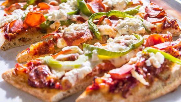 Pizza au pepperoni de dindon