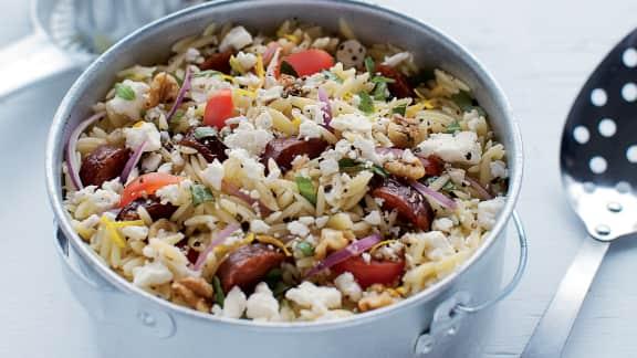 Salade d'orzo au chorizo et à la feta