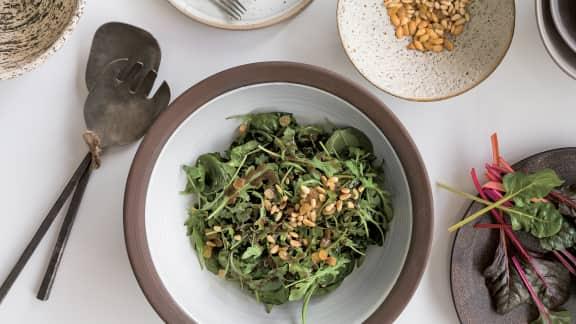 Salade de roquette et épinards, vinaigrette à l'espresso