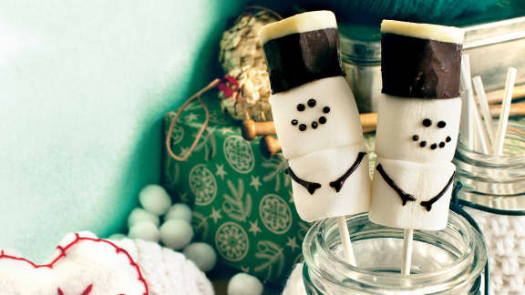 Sucettes de chocolat chaud et de guimauves
