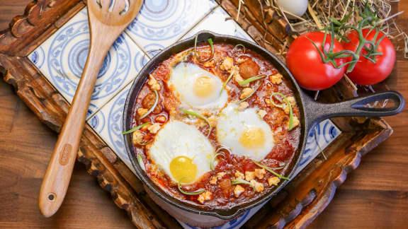 Chakchouka à la tomate, chair à saucisse italienne douce et feta